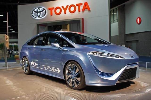 Toyota_FCV1.jpg