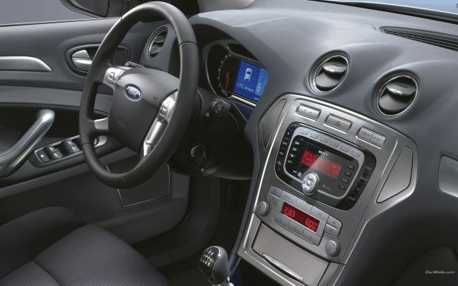 Ford_Mondeo_412_1920x1200.jpg